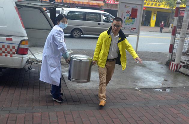 道滘社卫中心:5年坚持,免费凉茶送健康